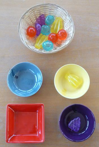Develop motor skills with Montessori