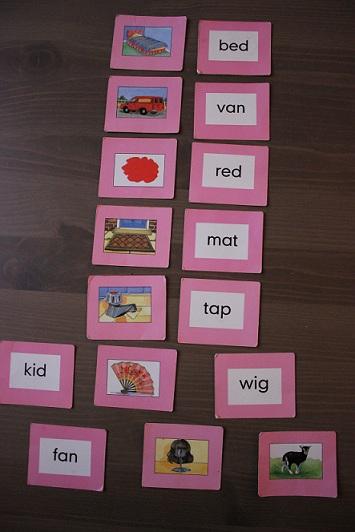 Montessori matériel de lecture.