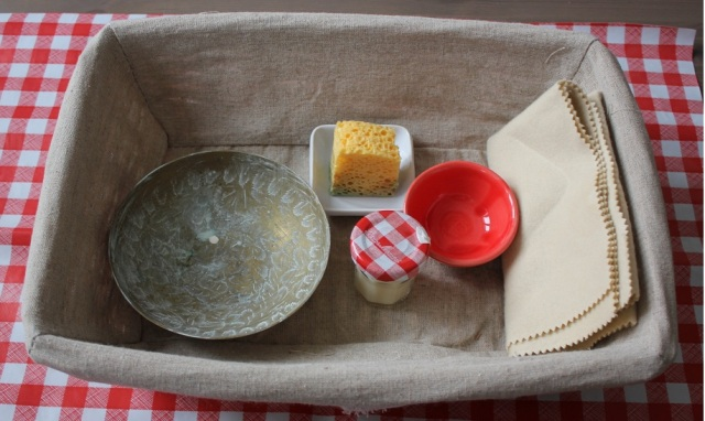 How to clean brass objects with the Montessori method