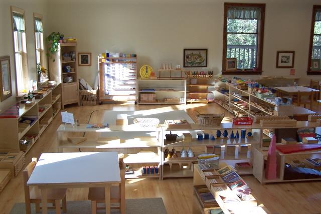 L'environnement de la classe Montessori.