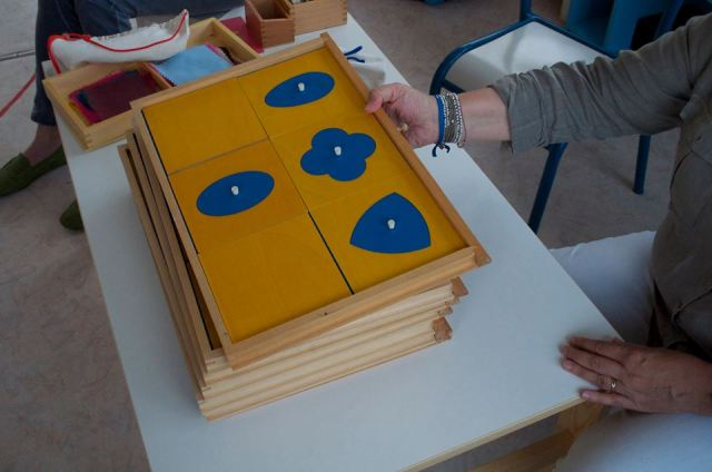 Montessori géométrie sensorielle.