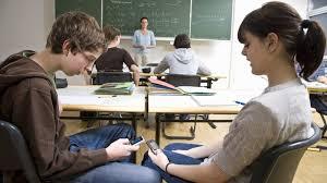 Les méfaits du portable en classe.