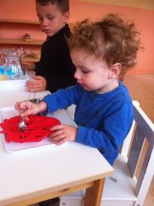Montessori développement de la main